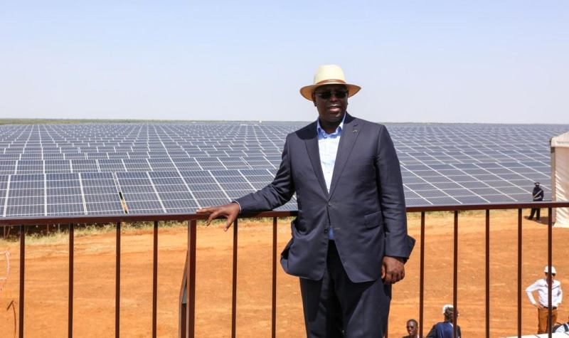 Macky inaugure centrale solaire
