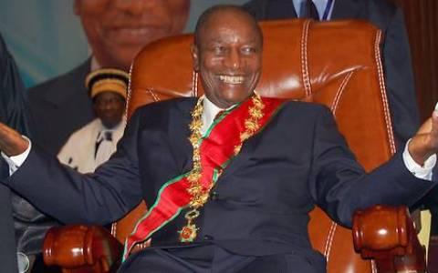 Guinée : Alpha Condé réélu pour un 3e mandat dès le premier tour avec 59,49% des voix (CENI)