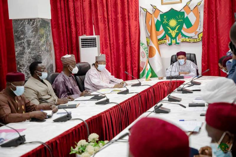 Education: le Président Bazoum va enfin pouvoir mettre fin au «statut précaire» des contractuels