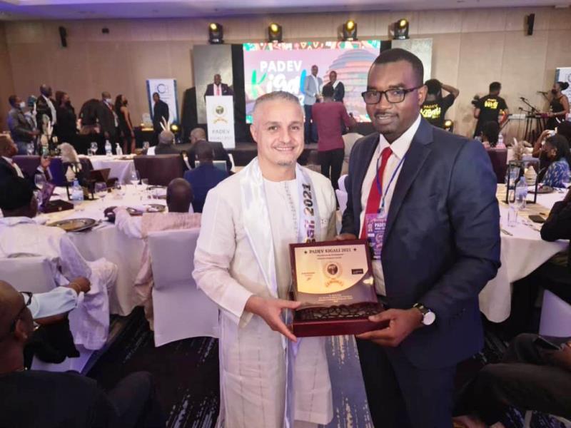 Prix Africain pour le Développement (PADEV 2021) : le DG d'Airtel Niger honoré à Kigali par le Prix d'excellence et du mérite dans la catégorie «Télécoms»