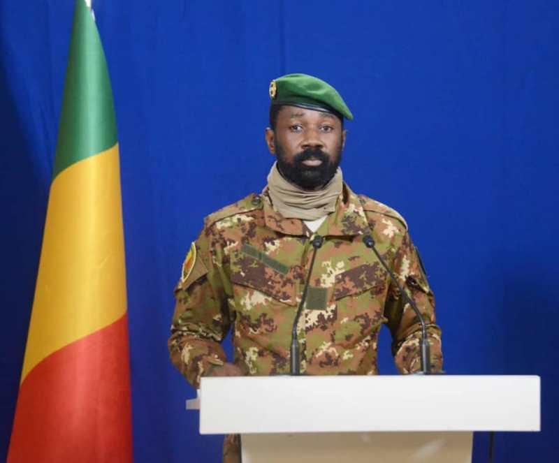 Mali: le président de la transition a échappé à une tentative d'agression à l'arme blanche