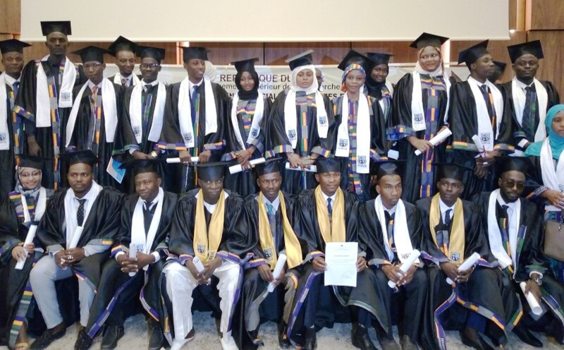 remise diplome UASTM photo etudiants