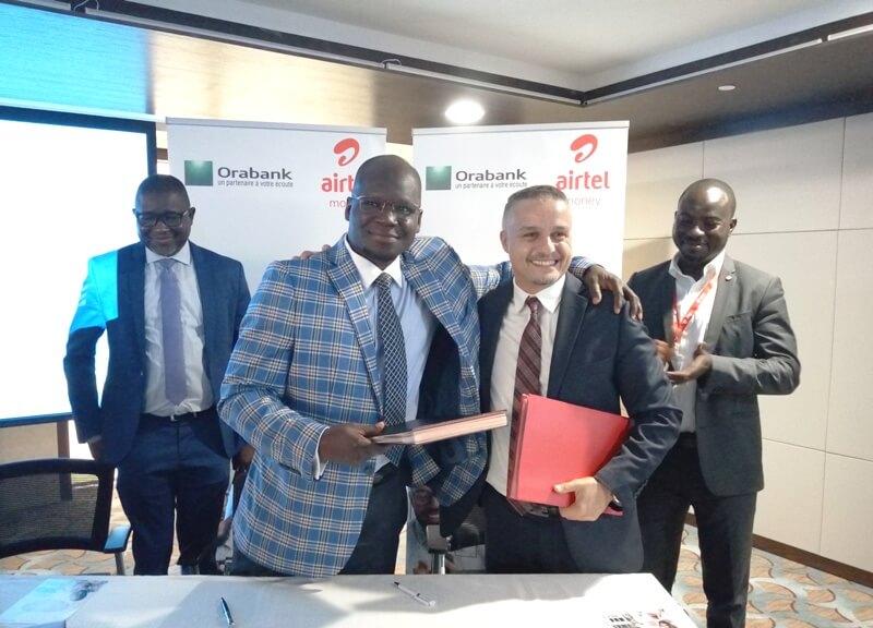 échange de document de signature Partenariat Airtel ORABANK BIS1